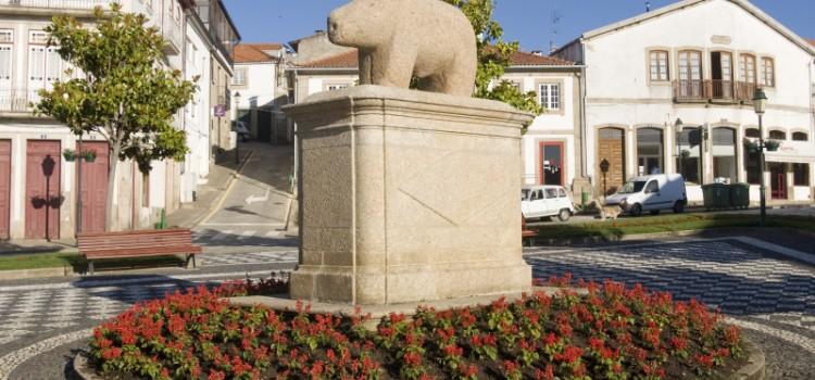 """Legend of """"Porca de Murça"""", Bear of Murça"""